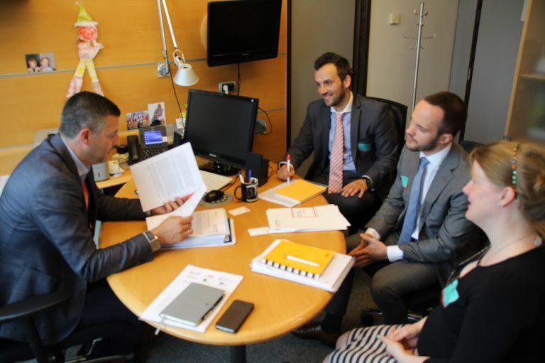Treffen mit dem belgischen Arbeitgeberverband FEB zum grenzüberschreitenden Online-Handel