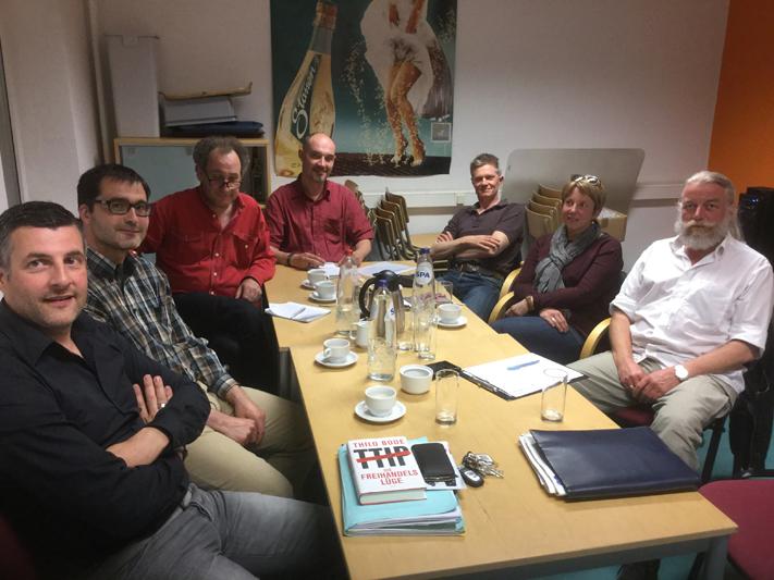Gedankenaustausch mit Attac Ostbelgien zu den Freihandelsabkommen TTIP, CETA und TiSA: Im Zentrum des Gesprächs stand insbesondere das Problem der fehlenden demokratischen Beteiligungsrechte im Rahmen der aktuell laufenden Verhandlungen.