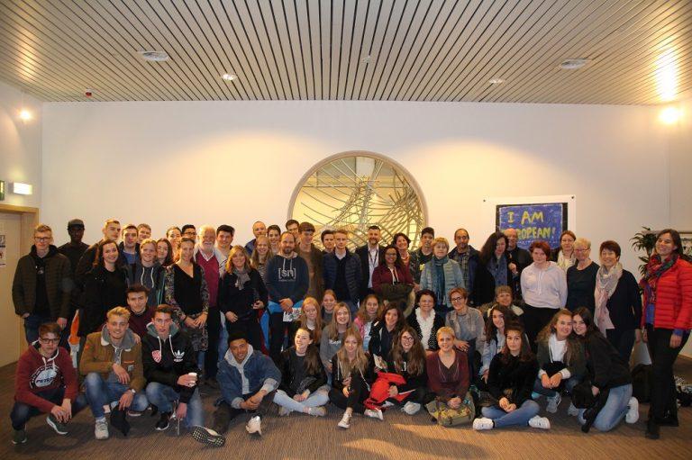 Über ein Erasmus+-Projekt hat das Königliche Athenäum Eupen an einem Austausch mit Schülern aus Schweden, Litauen, Portugal, Deutschland und Spanien teilgenommen. In diesem Rahmen hat die Gruppe auch das Europäische Parlament in Brüssel besucht.