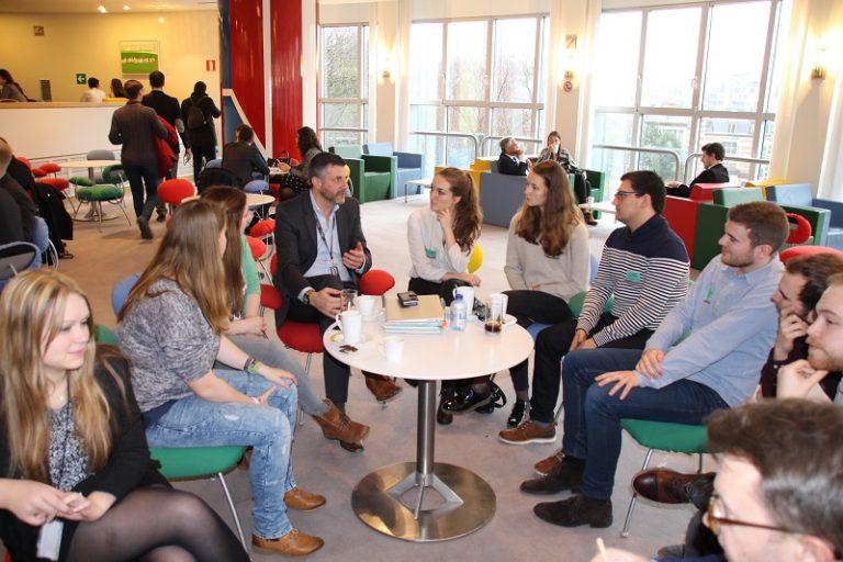 Besuch von Studenten der Eumavia Lovaniensis im Europäischen Parlament in Brüssel
