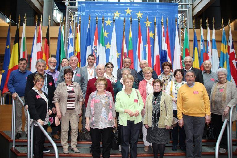 """""""Im Europaparlament wird jetzt Platt gesprochen"""" – so lautete das Fazit zum Besuch der Eifeler Besuchergruppe mit vielen lieben bekannten Gesichtern, darunter auch Familienmitglieder, die wir  in Straßburg empfangen durften."""