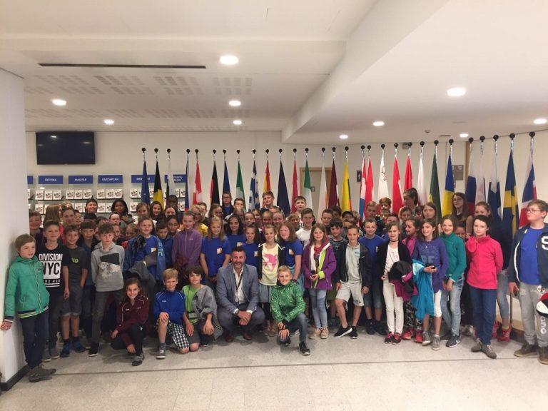 Besuch der Schüler des 5. und 6. Schuljahrs der Gemeindeschulen Büllingen in Brüssel