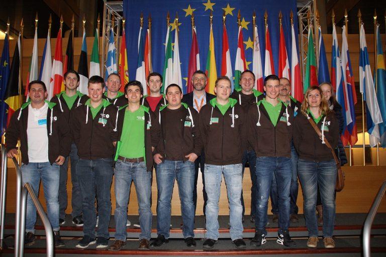 #Landwirtschaft – Nachdem ich die ostbelgischen Junglandwirte im September 2016 auf ihren Höfen besuchen durfte (Video hier: http://bit.ly/2lqiRqW), fand im Februar 2017 der Gegenbesuch statt: der #GrüneKreis im Europaparlament in Straßburg!