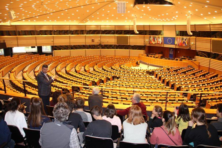 Besuch von rund 30 Schüler zwischen 11 und 18 Jahren aus Frankreich im Europäischen Parlament in Brüssel. Die Schüler waren im Rahmen eines Austauschs bei Gastfamilien in Monschau.