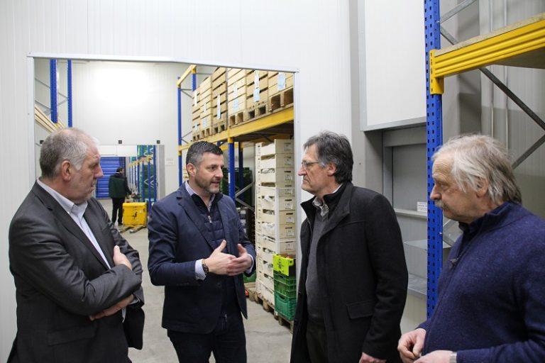 """""""Fair und lokal einkaufen"""" - Mit meinem Luxemburger Kollegen Georges Bach habe ich mich bei Oikopolis in Luxemburg (Munsbach) über die effiziente Vermarktung regionaler landwirtschaftlicher Produkte informiert."""