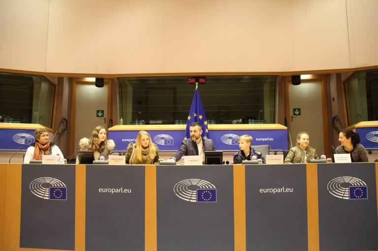"""""""Königlicher Segen aus dem Morgenland"""" - Besuch der ostbelgischen Delegation Sternsinger aus Rocherath-Krinkelt im Europäischen Parlament in Brüssel."""