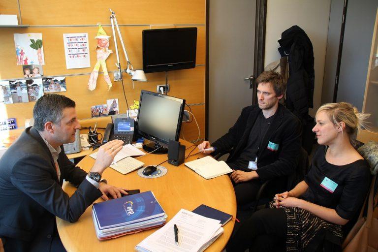 #OnlineHandel - Im Zuge der Vorstellung meines Berichtsentwurfs zum grenzüberschreitenden Online-Handel habe ich mich mit dem Europäischen Verband der Verbraucherschutzorganisationen BEUC sowie Test-Achats getroffen. Bei diesem äußerst konstruktiven Gespräch haben wir uns darüber ausgetauscht, wie gemeinsame Regeln in Europa auch einen hohen Verbraucherschutz gewährleisten können, und wie der Weg dorthin aussehen soll.