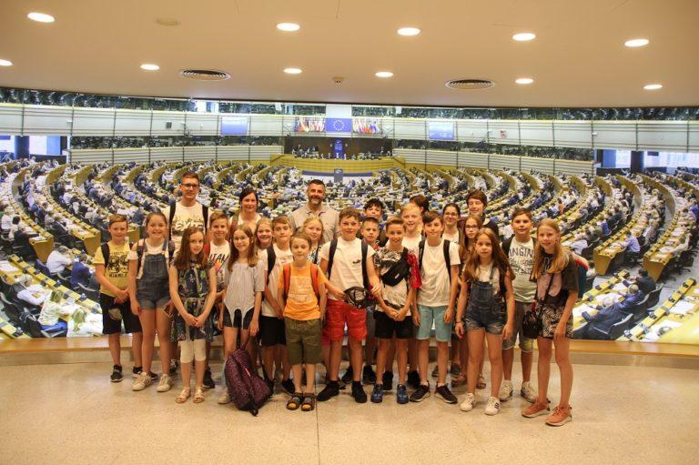 Besuch der Städtischen Grundschule Sankt Vith in Brüssel