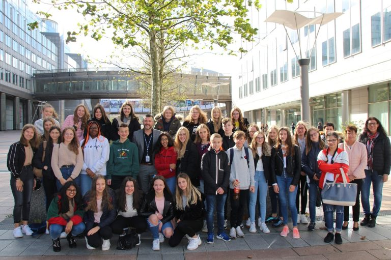 Schüler des 3. Jahres der Maria-Goretti-Sekundarschule Sankt Vith im Europäischen Parlament in Brüssel