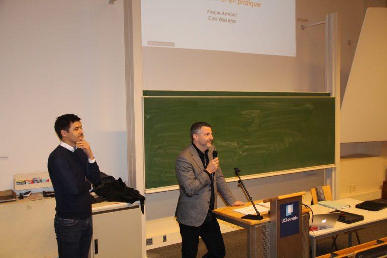 Vorlesung vor rund 200 Studenten des 3. Bachelorjahrgangs der Politik- und Humanwissenschaften an der UCL Neu-Löwen