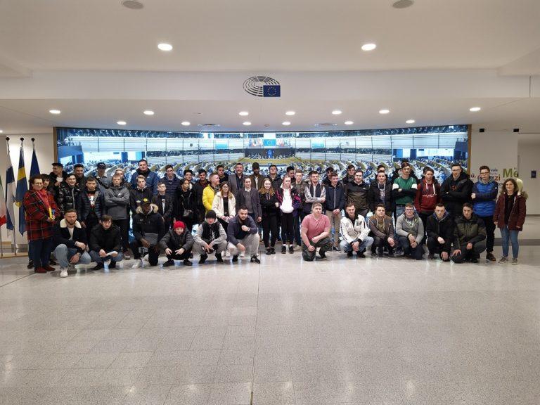 Besuch der Schüler des 1. Lehrjahres des ZAWM Eupen in Brüssel